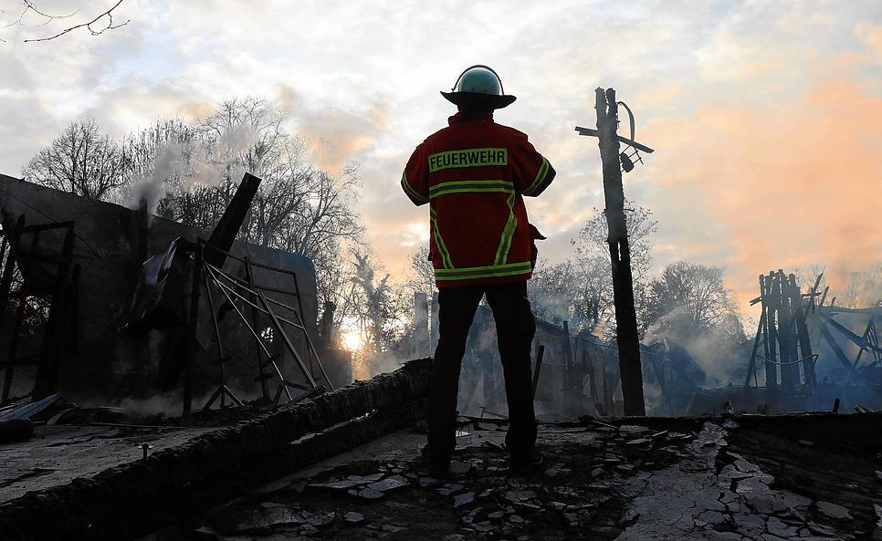 Am Morgen nach dem Brand